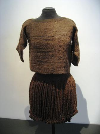 The reconstruction of the woollen top and skirt of the Egtved girl: the original is from 1370 BC.